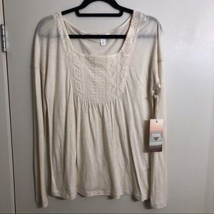 NWT- Sun & Shadow Ivory Lace Light Weight Top